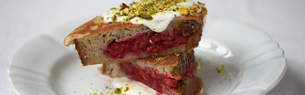 Jamie Oliver: Berry Pocket Eggy Bread Recipe