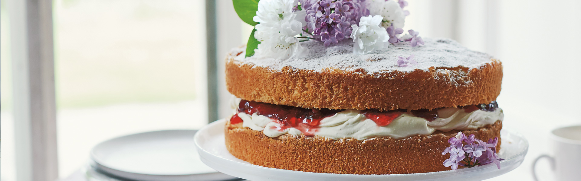 Flora Shedden: Strawberry and Hibiscus Victoria Sponge Recipe
