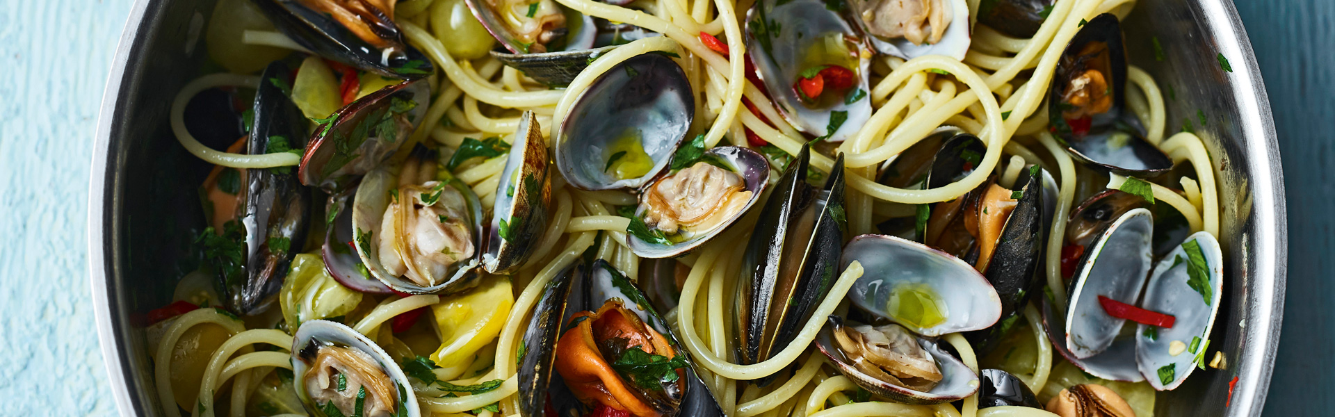 Gino D'Acampo: Spaghetti with Clams & Mussels Recipe