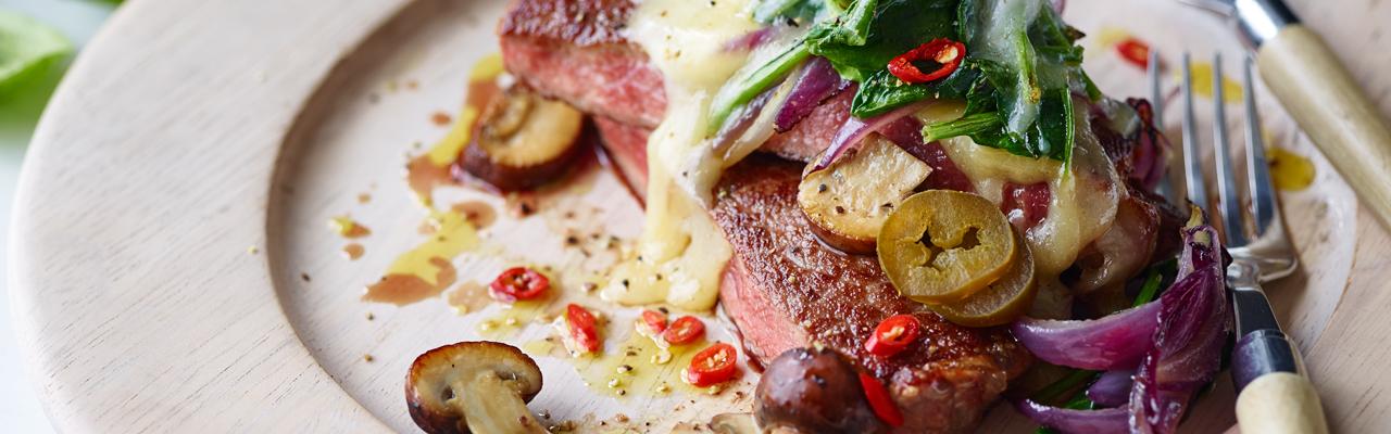 Joe Wicks: Philly Cheese and Jalapeño Steak Recipe