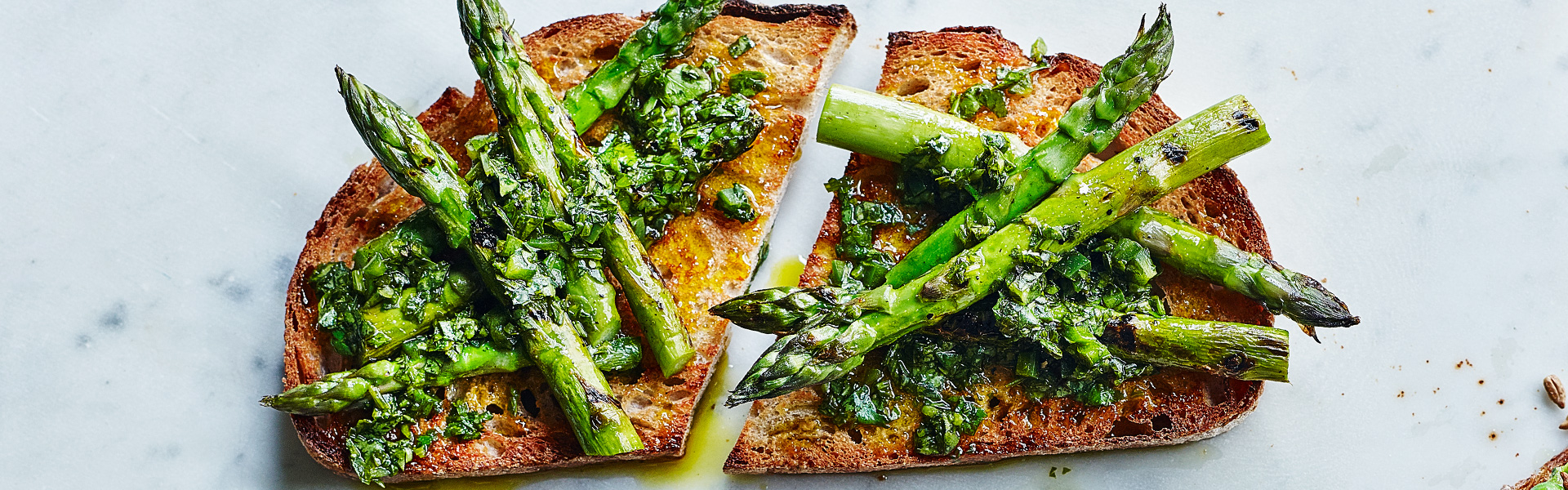 Madeleine Shaw: Chargrilled Asparagus and Chimichurri Recipe