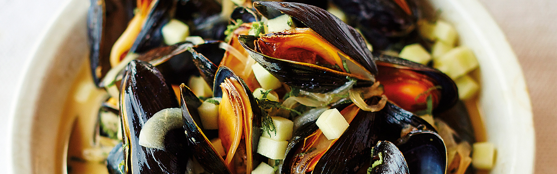 Nathan Outlaw: Mussels with Sage, Cider and Clotted Cream Recipe